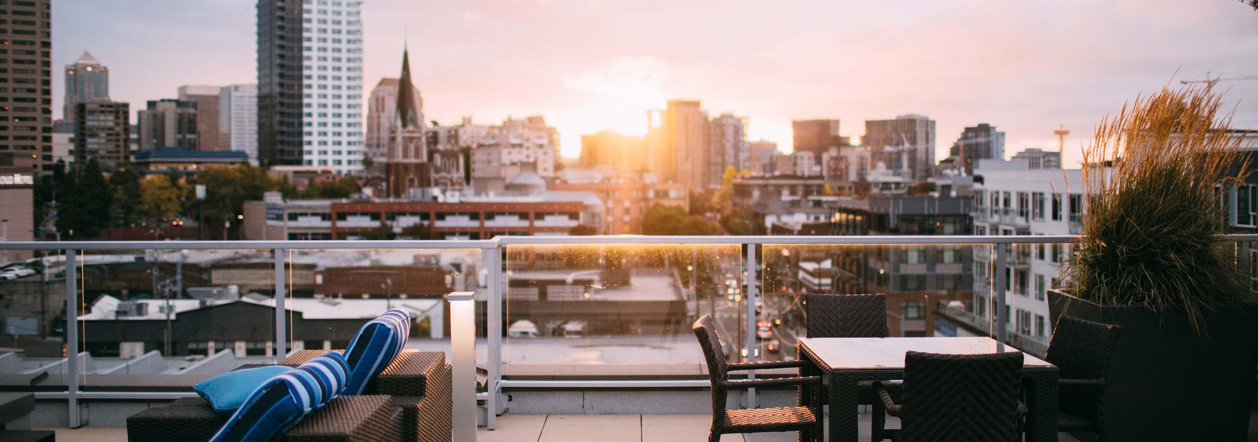 Foto: Rooftop © Garrett Parker / Unsplash - https://unsplash.com/photos/xQWLtlQb7L0